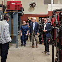 Vantage welding student give tour to Senator Rob Portman