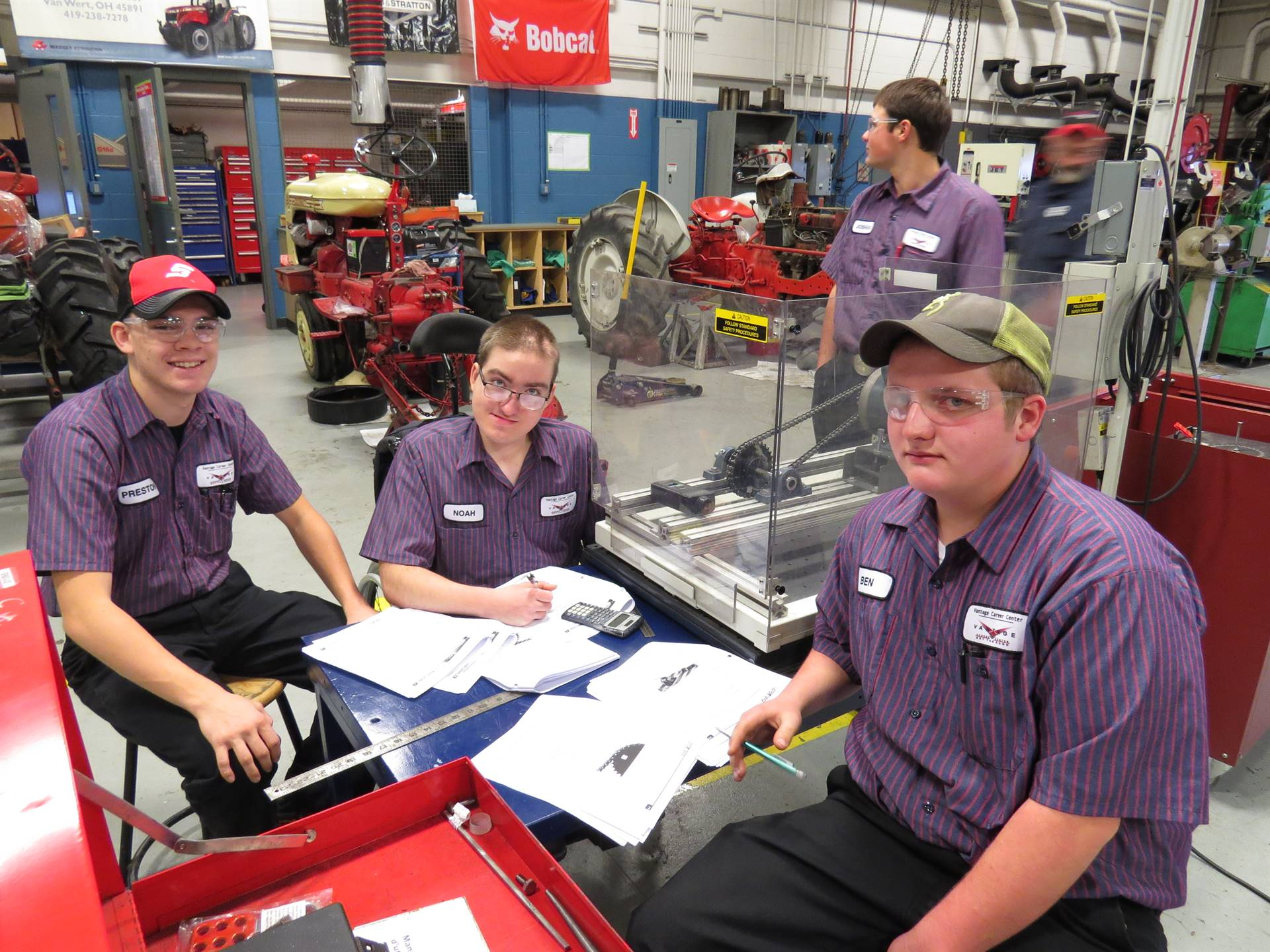 Ag and Industrial Power Tech Students work on project.